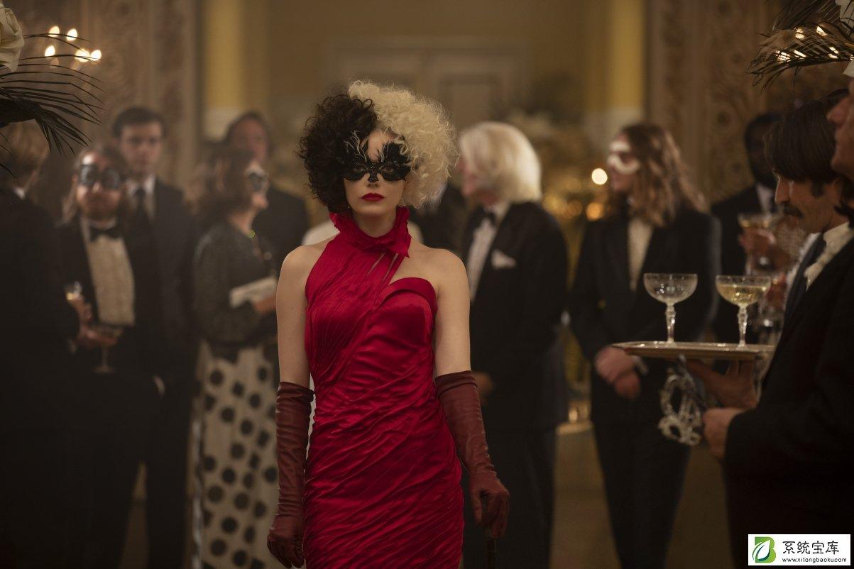 黑白魔女库伊拉红色礼服裙子壁纸