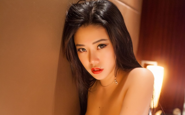 魅惑美女嫩模luvian图片桌面壁纸