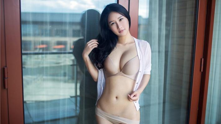 内衣美女谭冰性感模特w